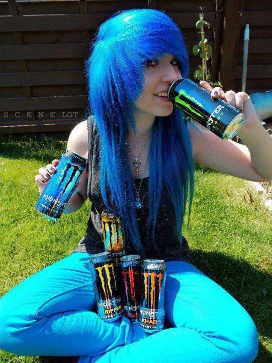 Blue hair ,, smexy monster energy drinks XD