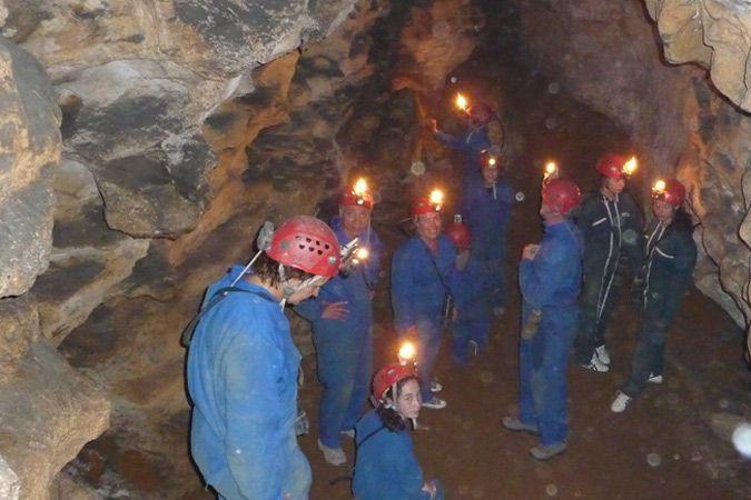 Prehistoric cave & night potholing adventure / grotte préhistorique et spéléologie nocturne