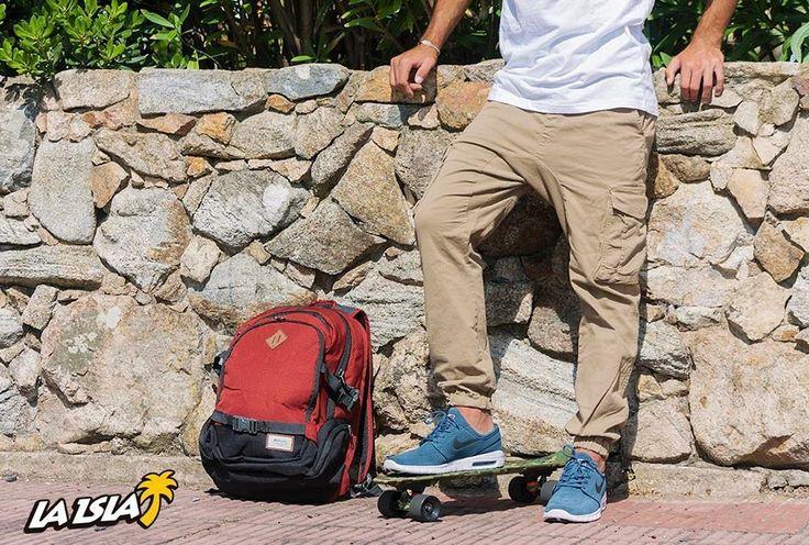 #BacktoSchool  Recomendados.  Jogger Oz Surfwear $ 1990 Mochila Rip Curl $ 2390 Nike Stefan Janoski Max $ 3690 #nike #ripcurl #oz #hurley