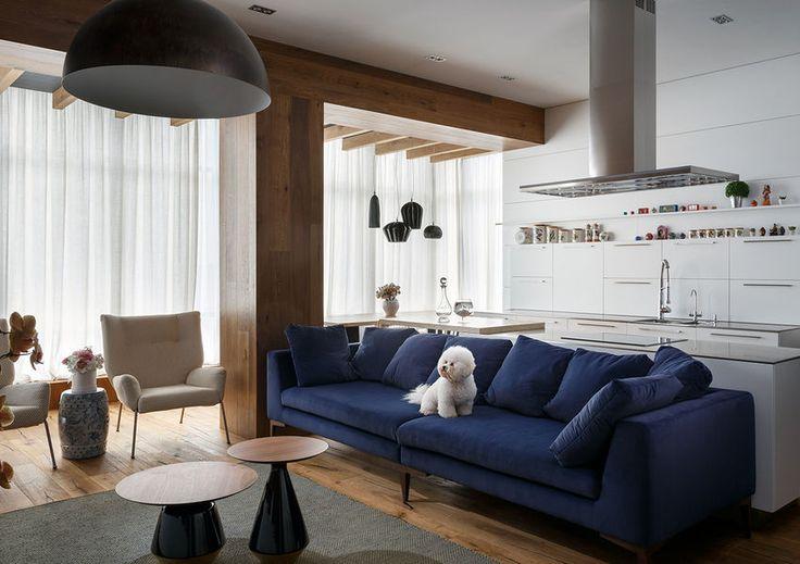 Fiatal család 100m2-es modern otthona sok természetes anyaggal változatos textúrákkal