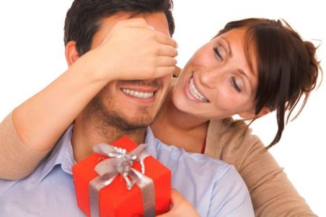 As a girl, your fingers won't be enough for possible gifts that you can give to a girlfriend, however when it comes to men you suddenly feel that your fingers are too much. Worry no more! Here are some gift ideas for men that will enlighten you and will definitely make your man happy at the same time.