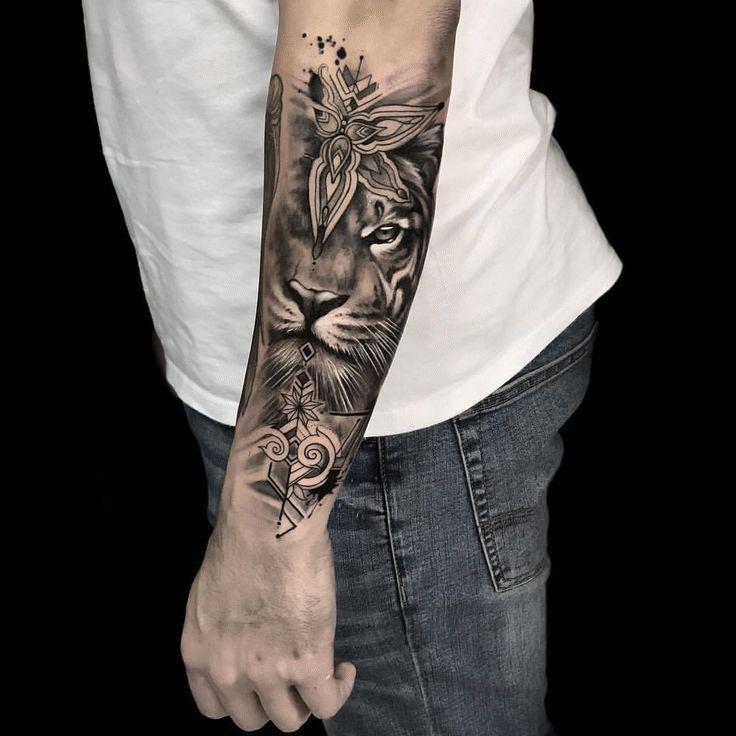 Tatouage homme bras et tatouage avant-bras en 50 idées flambant neuves en 2020 (avec images ...