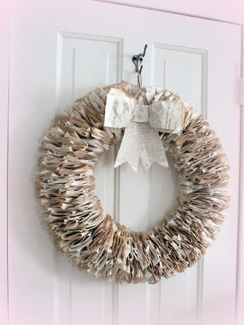 Huisje Kijken - Krans van boekblaadjes - book pages wreath