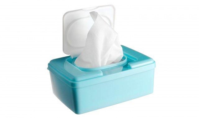 Detersivi fai da te: come realizzare in casa le salviettine umidificate per le pulizie domestiche e l'igiene dei bambini