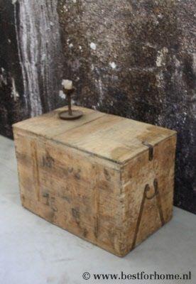 grote mooie stoere oud houten kist sober stoer landelijke tafel no 815 1