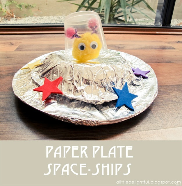 a little delightful: {craft} paper plate space ships for space week