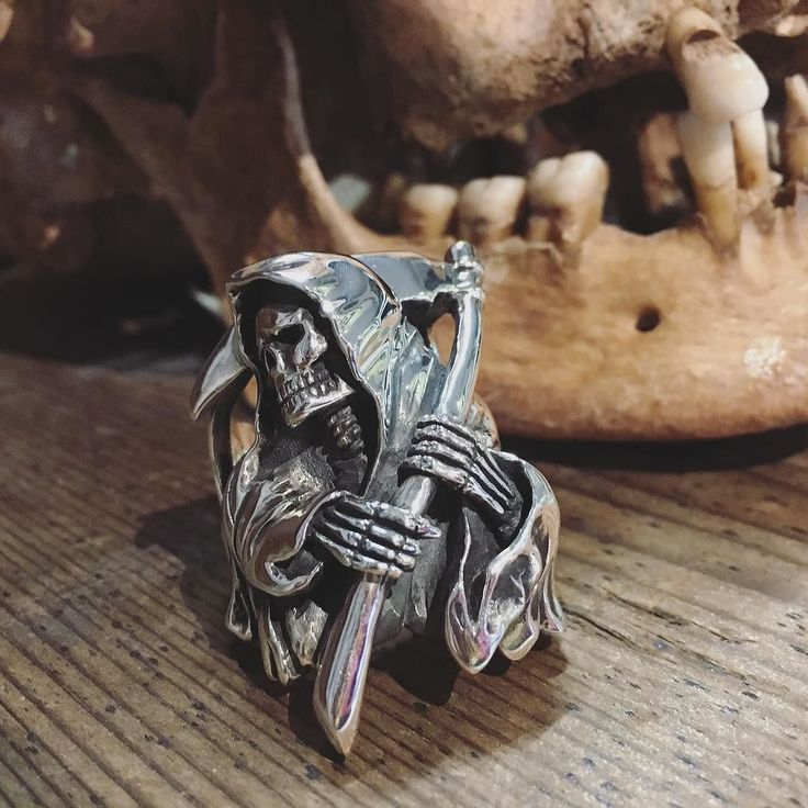 Official THE GREAT FROG X WES LANG Reaper ring in .925 Sterling Silver. #weslang #skullring #grimreaperring #thegreatfrog