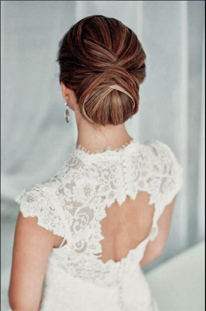 Wedding dress open back, smooth hairdo!