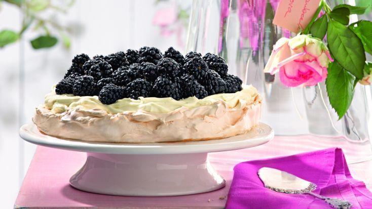 Torta Pavlova s ostružinami