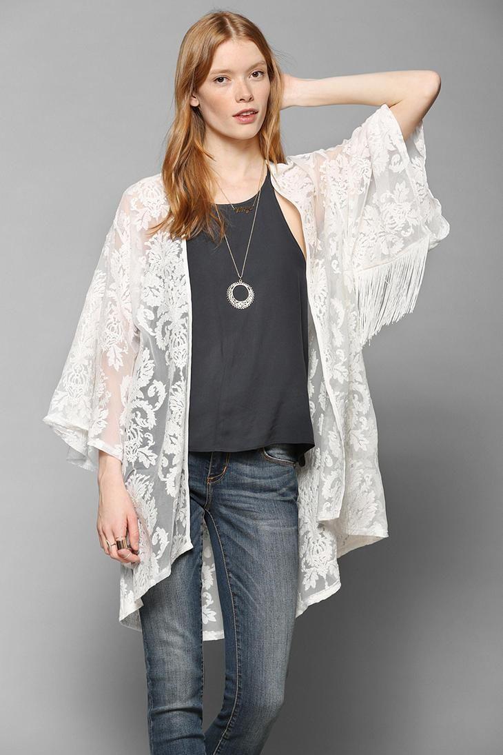 comment se faire une veste kimono moderne en tissu dentellé