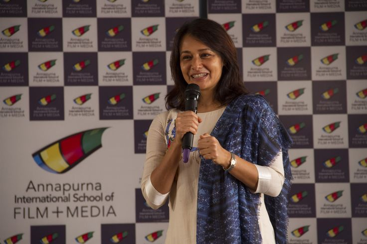 Amala Akkineni Introducing the guest for the day, Kamal Haasan! #kamalhaasan #aisfm #amala akkineni #celebrity #aisfmevent