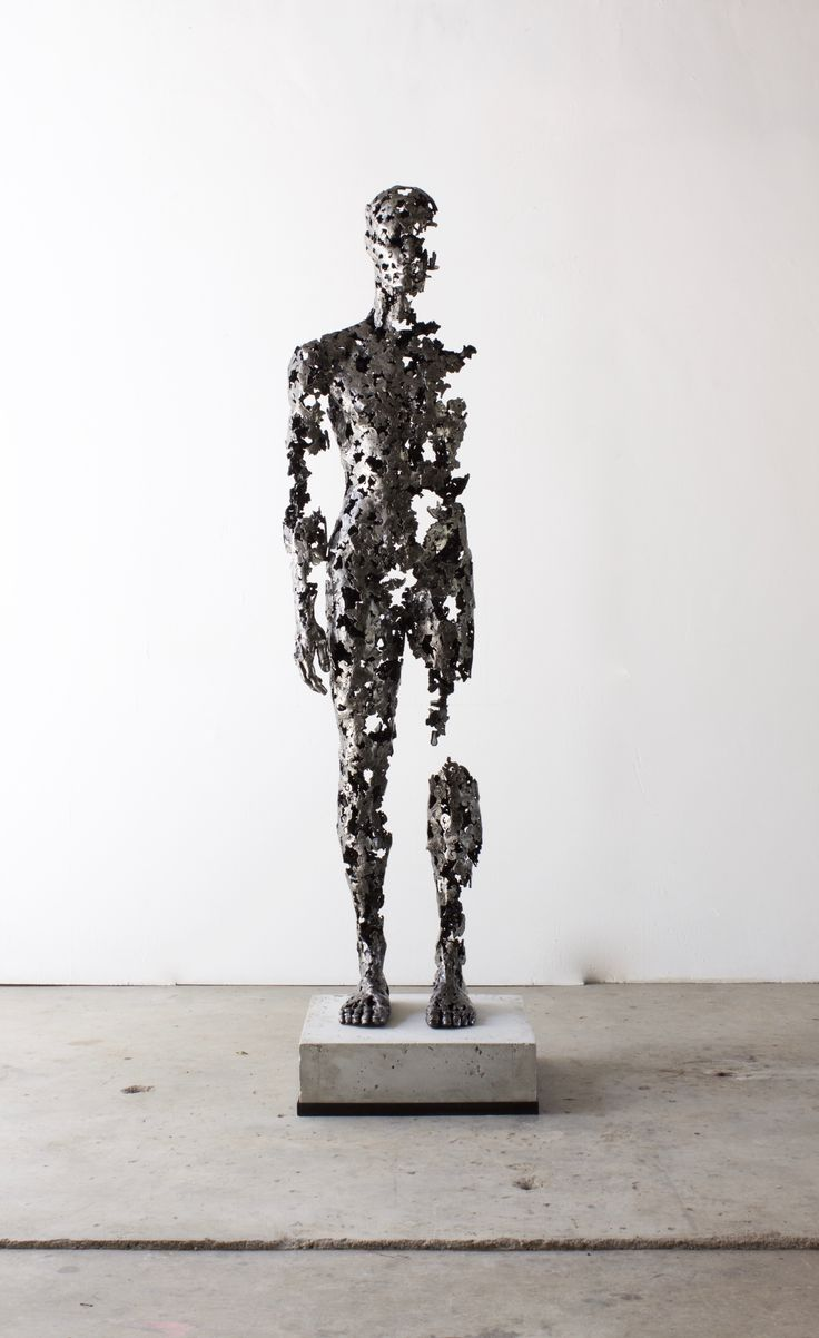 "Regardt van der meulen, ""Fragmented"", 2016,  Mild Steel, 1950 x 520 x 520 mm"