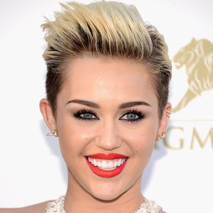 Shaved Hairstyles 40020216 shaved side hairstyle Cool Shaved Hairstyles For Women With Short Hair 2017