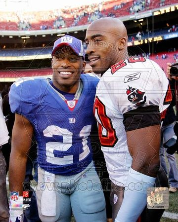 New York Giants, Tampa Bay Buccaneers - Tiki Barber, Ronde Barber Photo