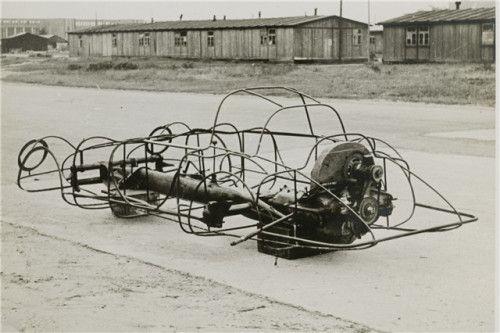 Com o término da Segunda Guerra Mundial, passou a criar protótipos a partir de veículos abandonados (É um dos pioneiros  na utilização da plataforma VW). Foram cinco veículos construídos depois de 1947. Com eles, Muller tornou-se campeão alemão em 48 e 49, vencendo mais de 60 provas com esses carros.