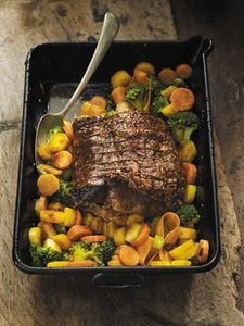 Gefülltes irisches Roastbeef. Tipp: Als Beilage eignet sich Kartoffelgratin. ©Foto & Rezept: Bord Bia