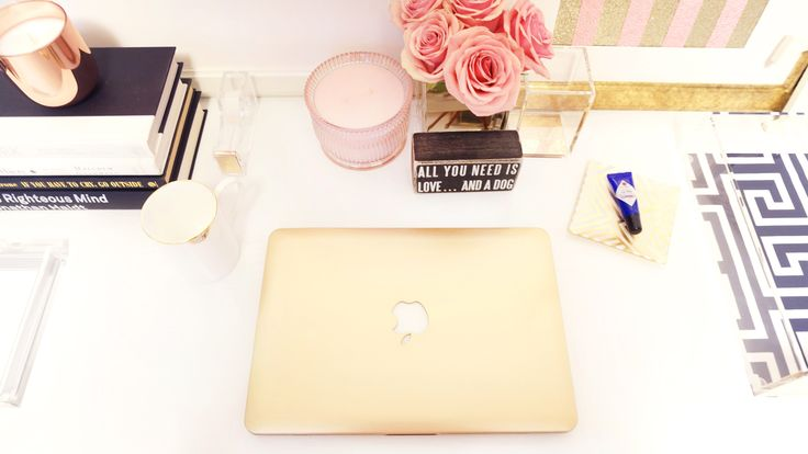Gold Macbook Pro to match her desk - gorgeous! The case is from eBay and I definitely need to pick myself up one!