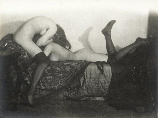 GERMAINE KRULL (1897-1985)Les amies, 1924.
