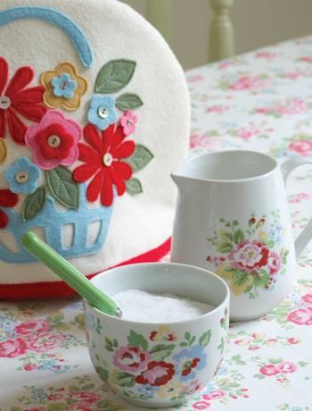 Cath Kidston style Felt Tea Cozy. No Tut, I just like the design!
