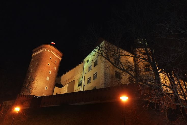 The Dragon Palace: Wawel royal castle (14 cent AD), built by the order of Casimir III the great. Krakow, Poland