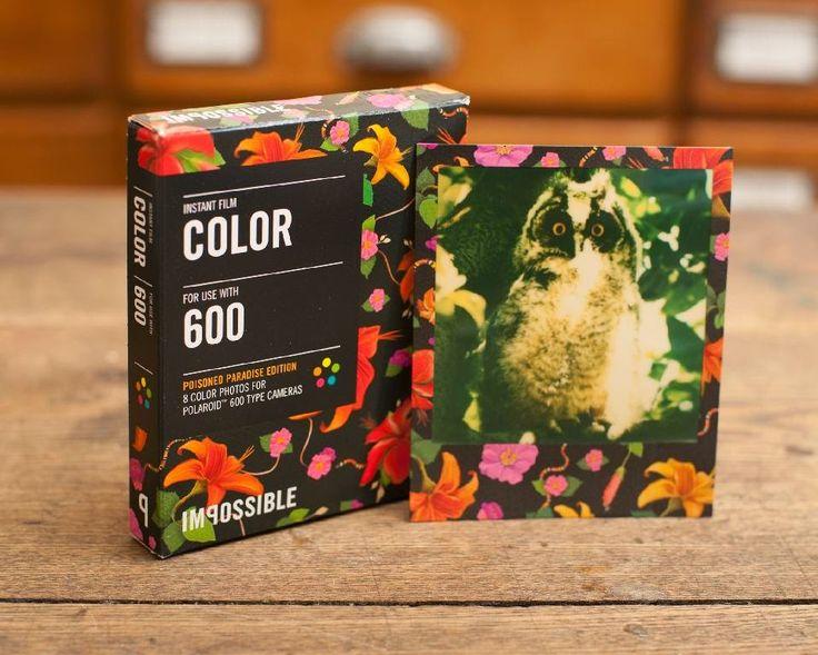 Tendencias Imposibles: nuevo papel floreado para antiguas cámaras Polaroid