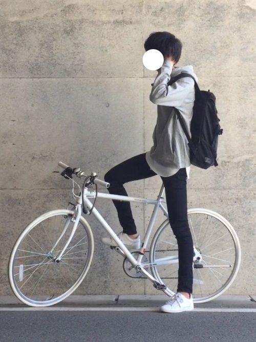 いつも見ていただきありがとうございます😊 この前のパーカーコーデと同じになるんですが、今回は自転車