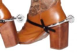 Speroni in plastica per costume di carnevale, travestimento Cowboy o Sheriffo. Da applicare sopra i vostri stivali o scarpe. Smiffy's 21844
