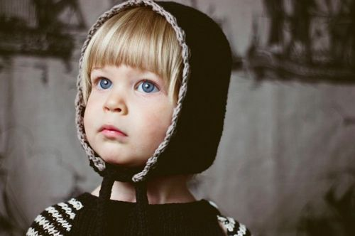 A cozy bonnet. By Toto Knits.: Kiddo Photography, Kids Style, Modern Kids, Crochet Trim, Knits Caps, Flanneri Okafka, Children Clothing, Flanneri O' Kafka, Toto Knits