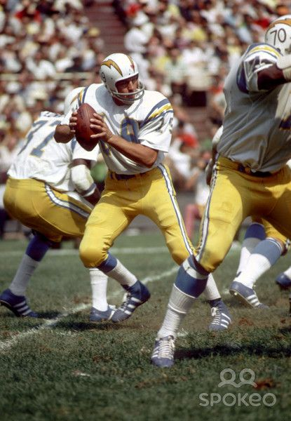 San Diego Chargers quarterback #19 Johnny Unitas in action against the Washington Redskins at RFK Stadium - 1973
