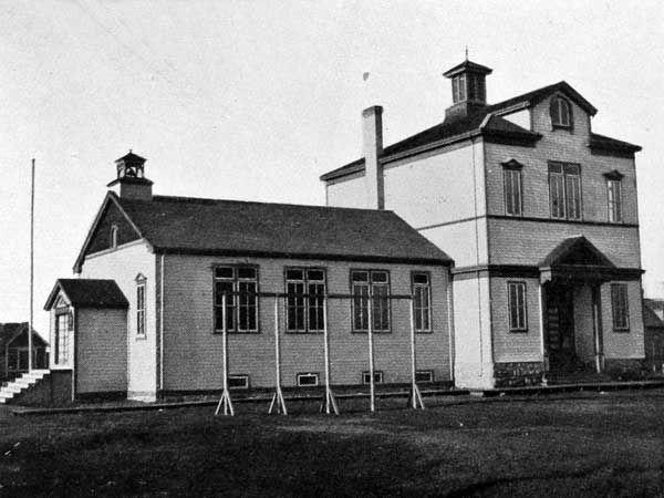 Brooklands School, Winnipeg