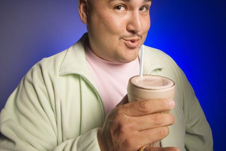 Dieta líquida de alto contenido proteico. Una dieta líquida de alto contenido proteico es un plan de comidas recetado por los médicos. Esta dieta se prescribe por diferentes razones. Más comúnmente se consume para lograr perder peso antes de una operación bariátrica y también se receta luego de la ...