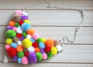 Lady with crochet: Love pomponowe / Colorful pompoms necklace