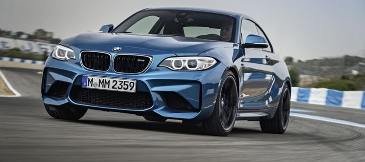 2017-BMW-M2-Coupe-36