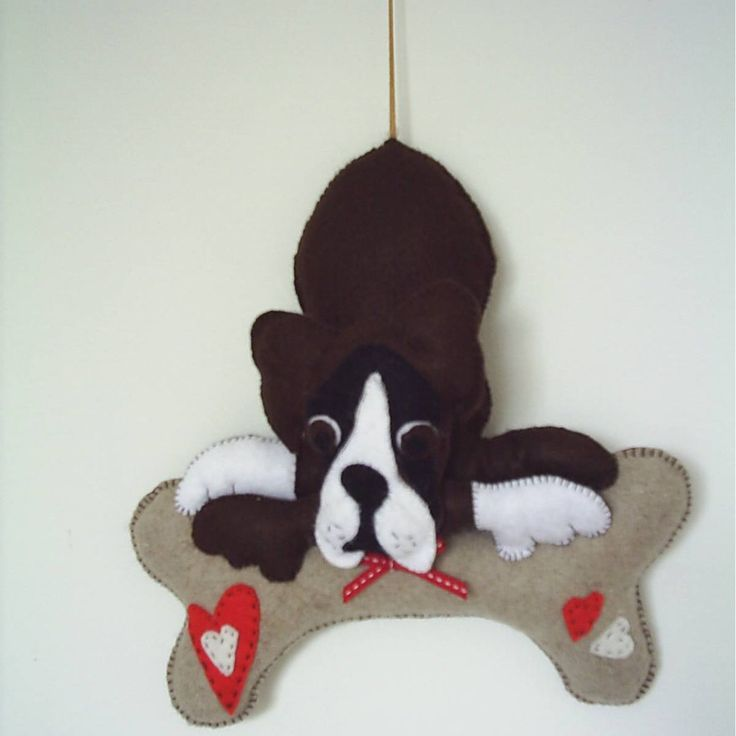 Boxer dog in brown and white felt,dog wall plaque,plushie dog,wall art,home decor,housewarming gift,dog toy,stuffed dog,HANDMADE BY FRALINE by fraline on Etsy