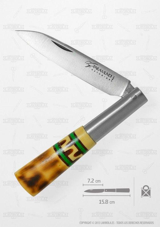 Decorated pocket knives with sheath, super cheap! Give color to this summer! + info: www.lavirola.es/producto/cuchilleria-de-taramundi-navaja-punta-recta-75-cm-doble-anillo-verde-con-funda-serraje-tipo-gamuza