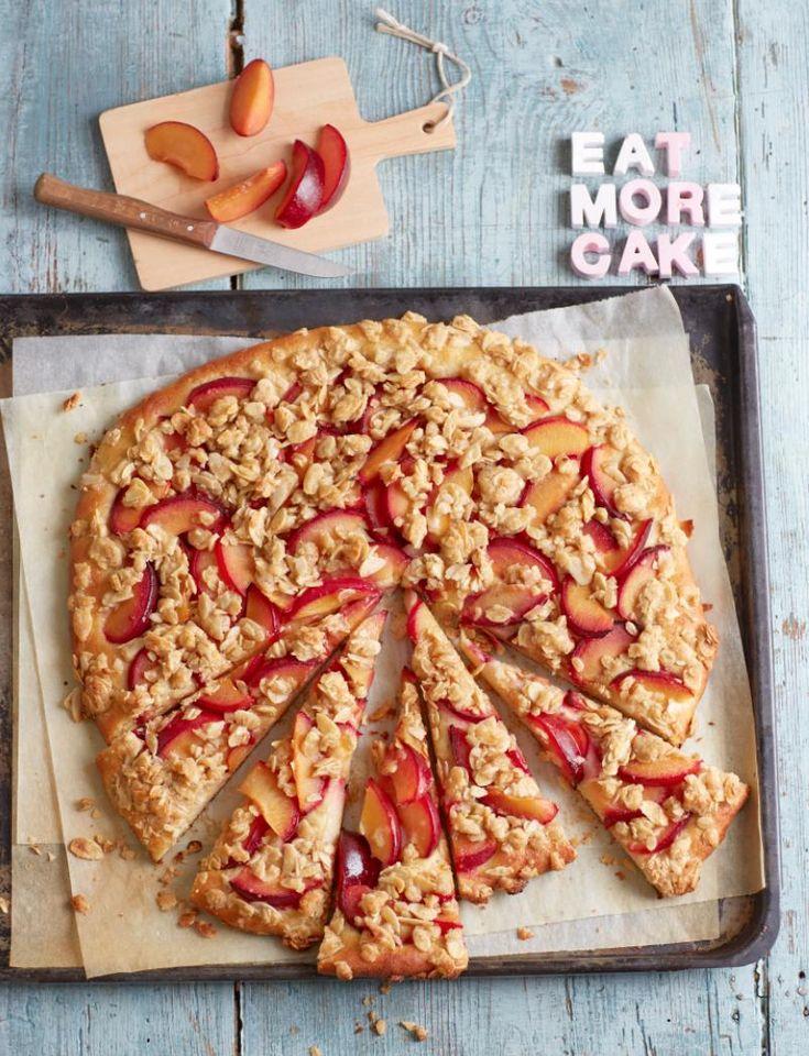 Rezept: Pflaumen-Mandel-Pizza von Cynthia Barcomi