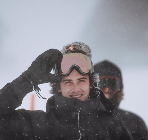 Mark McMorris happy to be back on a board. @finneganlaver