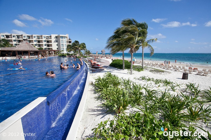 Pool at the Dreams Riviera Cancun Resort & Spa - All Inclusive