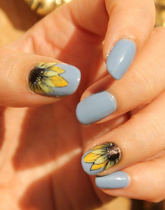 25 Ideas De Diseño De Uñas Con Flores Girasoles Diseños De Uñas