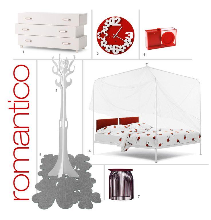 Una soluzione d'arredo con un letto bianco, elegante ma anche informale, valorizzata da biancheria e complementi con una punta di rosso. Per una camera essenziale ma accogliente.
