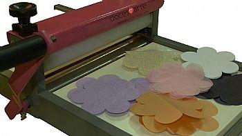 maquina de corte e vinco, maquina de cortar tecido - Loja online docesearte