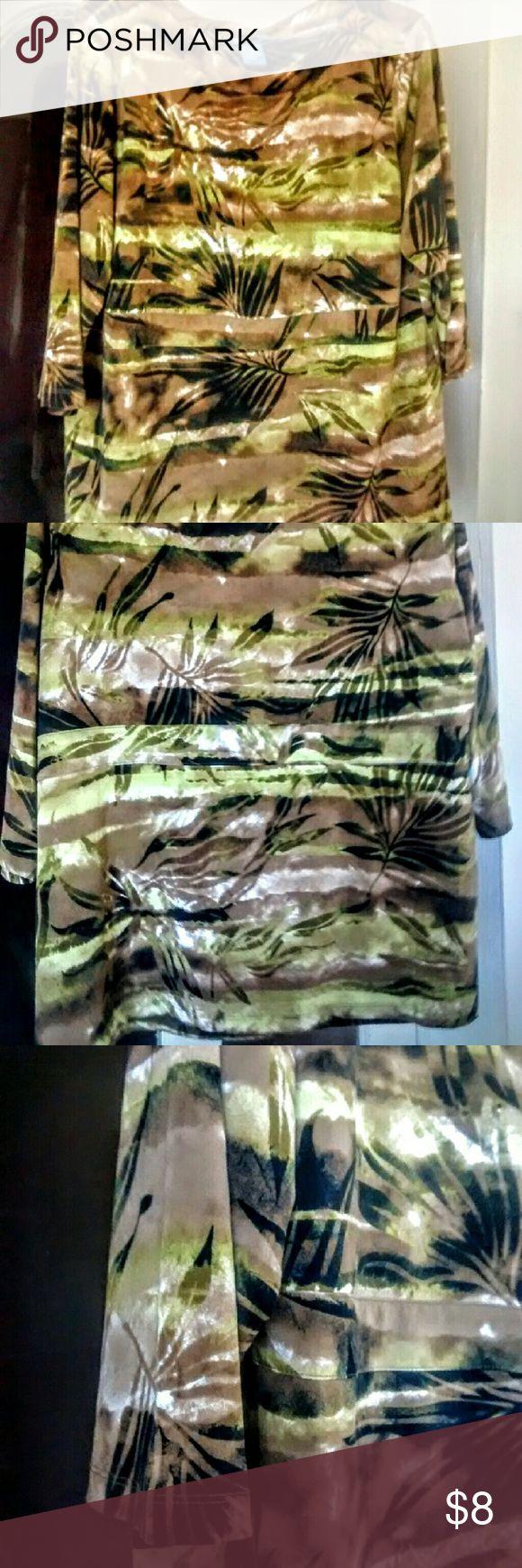 Koret Size 1X Women's Tunic Excellent condition Koret women's top, jungle print, size 1X. 3/4 length sleeve, band across the middle. Koret Tops Tunics