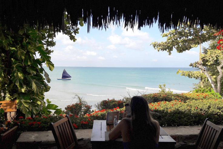 Passei minha Lua de Mel em Jericoacoara, e que viagem! Destino romântico por natureza, com muitas pousadas, praias, comida boa, pacotes, e lugares para...