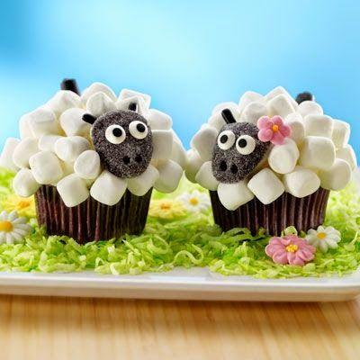 Πανέμορφα    και πεντανόστιμα cup cakes που μπορείτε να τα διακοσμήσετε με πασχαλινές ιδέες. Δείτε ιδέες και κλέψτε τις εντυπώσεις!!      Υλικά για τα cupcakes:  -250 γρ αλεύρι που φουσκώνει μόνο του  -250 γρ ζάχαρη  -250 γρ βούτυρο  -200 γρ κουβερτούρα  - 4 αυγά  -2