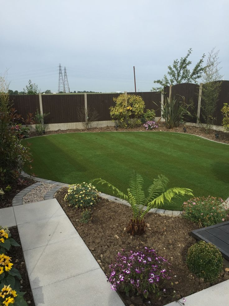 Get a permanent just mowed look all year round. Using the New Selhurst Striped Artificial Grass from Expressgrass.com
