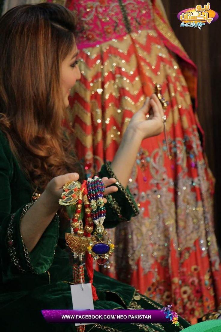 @hinashpret @grandeurindia  #womanfashion #jewellery collection by Hina Salman & Abhishek Ghazan #brand #lahore #india #grandeur #Bloggers #Media #fashionaccessories #neotv #earrings #tvanchor #newyear2018 #morningshow #craftedforeternity #hinashpret #hautejoallerie #clientdairies  #luxuryjewelry #jewelry #luxurygarments #necklaces #enterpreneurship #blogging #mumbaifashionblogger #bloglife #digitalmarketing #fashionblog #internetmarketing