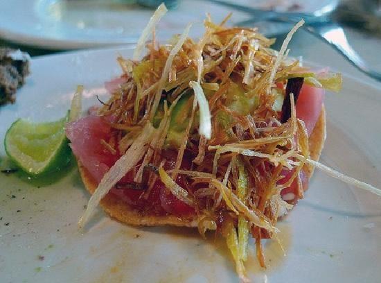 Me encanta esta receta de tostadas de atún, la recomiendo como botana para una tarde de calor, es deliciosa y llena de sabor.