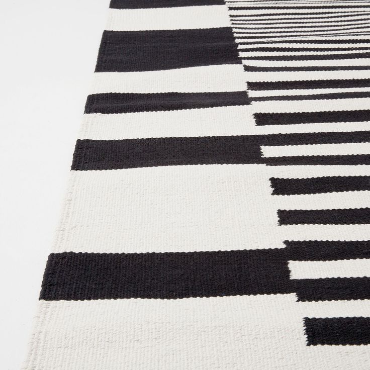 ber ideen zu kuhfell teppich auf pinterest kuhfell teppich verlegen und teppiche. Black Bedroom Furniture Sets. Home Design Ideas