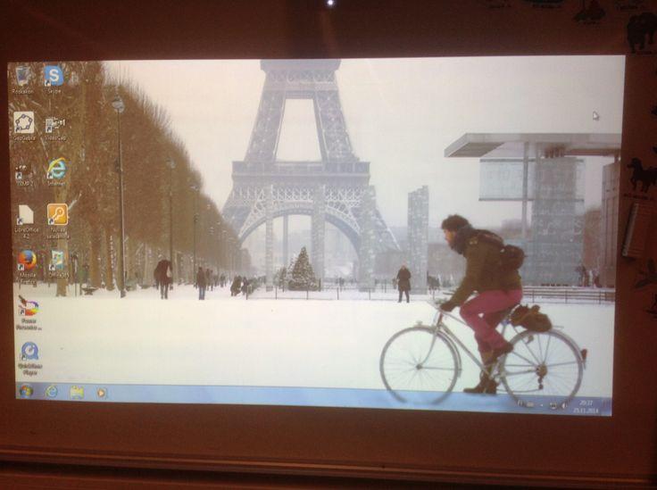 Aah, ranskan tunneilla voin uneksia matkasta Pariisiin. Onneksi tammikuussa alkaa alkeiskurssi.