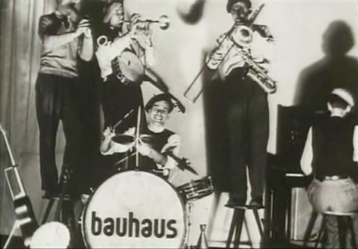 22 best bauhaus images on pinterest bauhaus design - Bauhaus banos ...